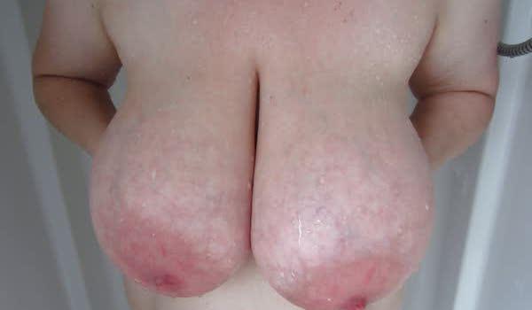 Imagem para Gostosa mostrando esses par de peitos gostosos