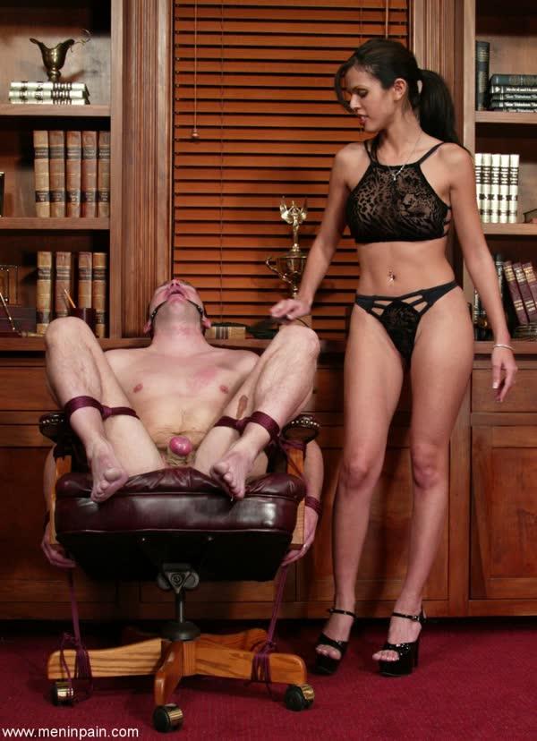 morena-torturando-de-prazer-seu-macho-11