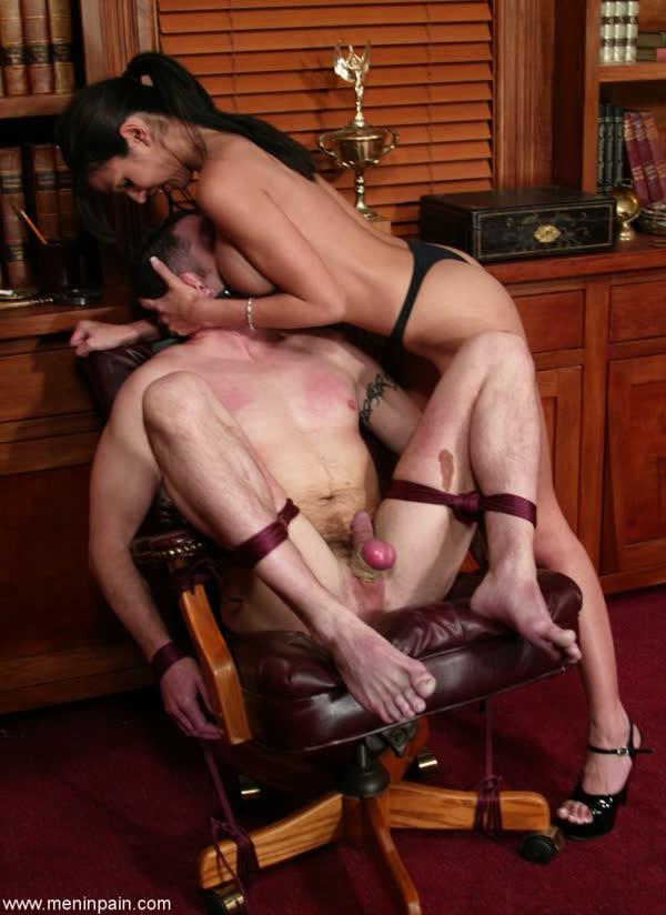 morena-torturando-de-prazer-seu-macho-15