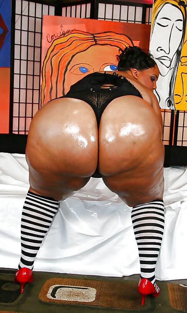 negras-gordinhas-mostrando-os-bundao-tesudos-25
