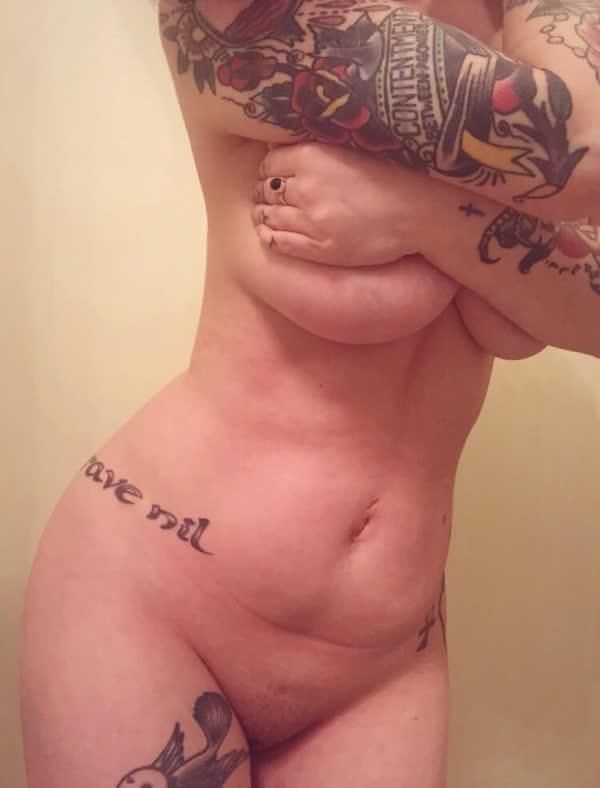 amadora-gostosa-cheia-de-tatuagens-13