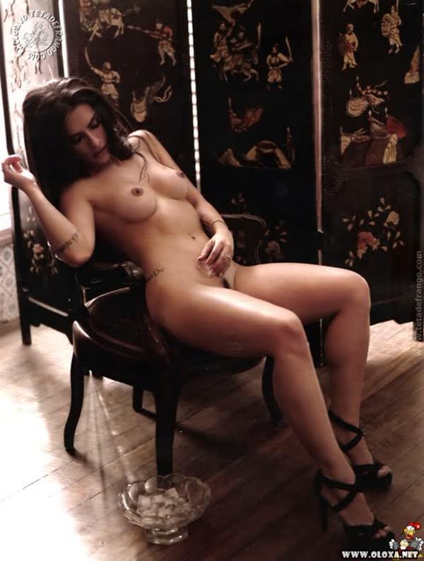 cleo-pires-sexy-em-fotos-peladas-13