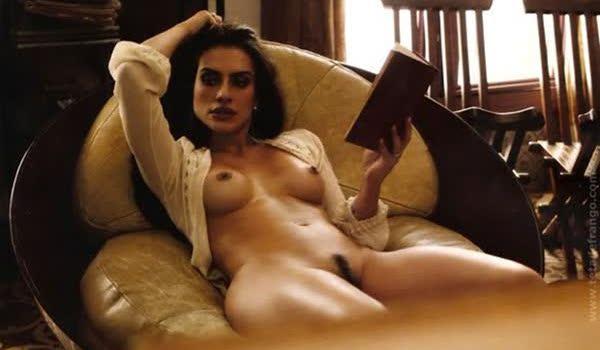 Cleo Pires sexy em fotos peladas