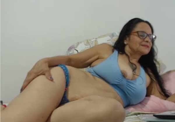 coroa-amadora-se-mostrado-na-webcam-2