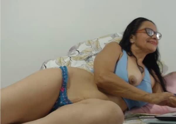 coroa-amadora-se-mostrado-na-webcam-5