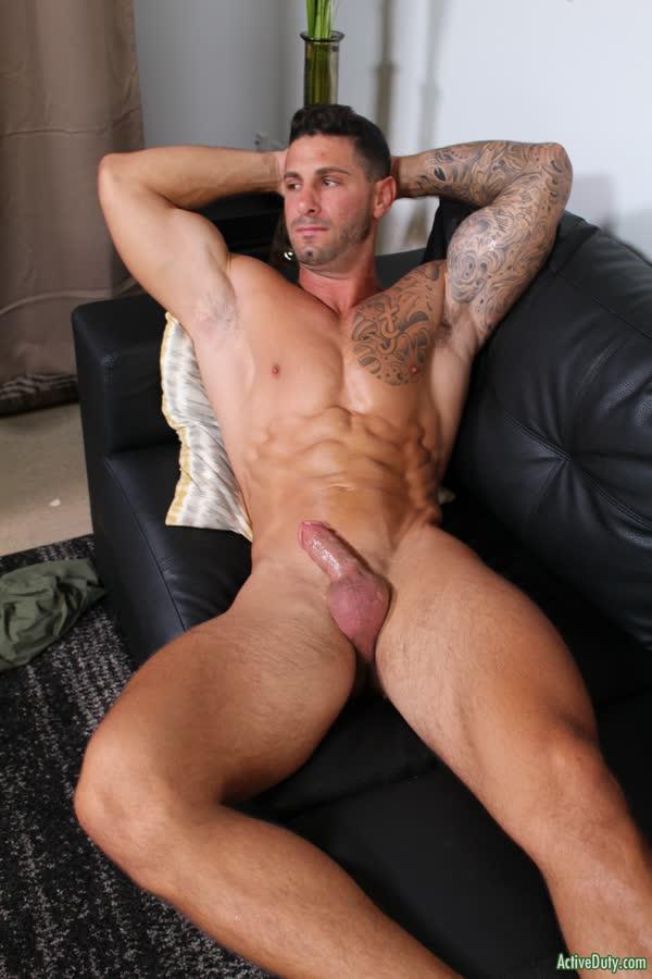 musculoso-tesudo-peladao-12