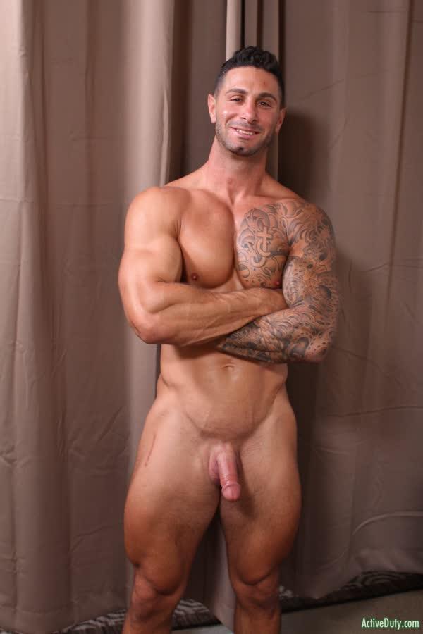 musculoso-tesudo-peladao-6