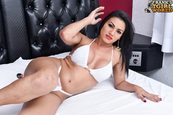 kelly-silva-bem-sexy-em-sua-lingerie-2