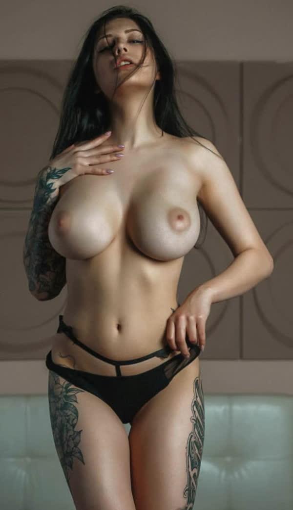 mulheres-tatuadas-bem-gostosas-10