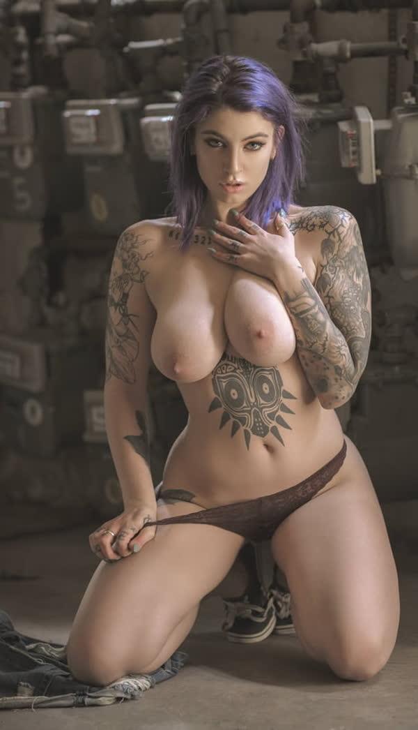 mulheres-tatuadas-bem-gostosas-19