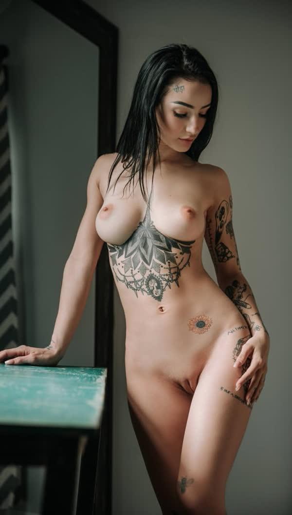 mulheres-tatuadas-bem-gostosas-29