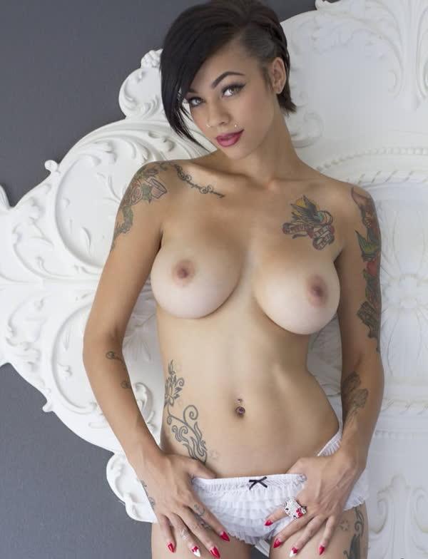 mulheres-tatuadas-bem-gostosas-33