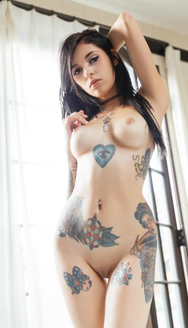 mulheres-tatuadas-bem-gostosas-39