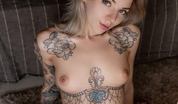 Imagem para Mulheres tatuadas bem gostosas