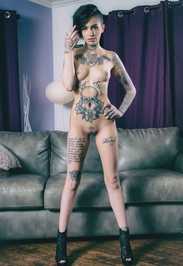 tatuadas-gostosas-em-fotos-quentes-17
