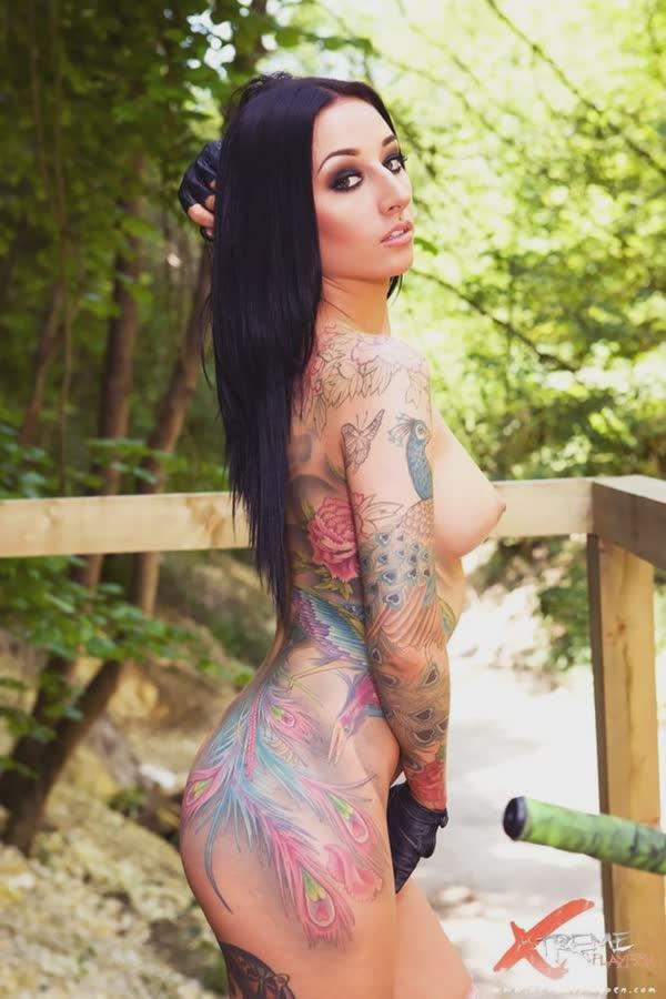 tatuadas-gostosas-em-fotos-quentes-27