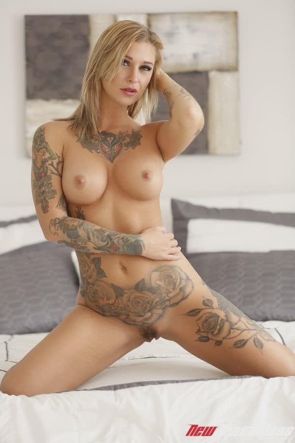 tatuadas-gostosas-em-fotos-quentes-35
