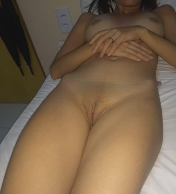 casada-safadinha-com-a-xoxota-arrombadinha-6
