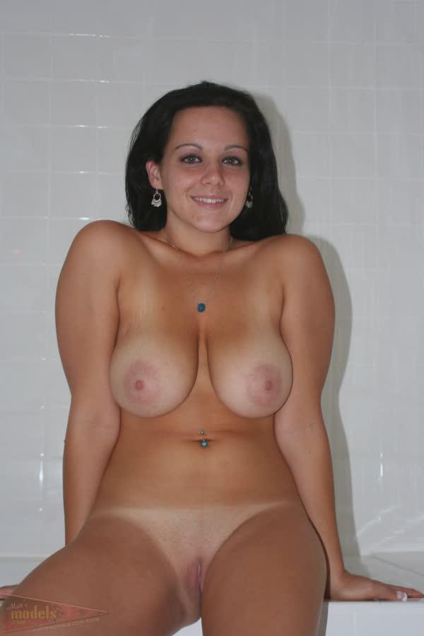 jovem-amadora-mostra-as-tetas-e-toca-na-vagina-9