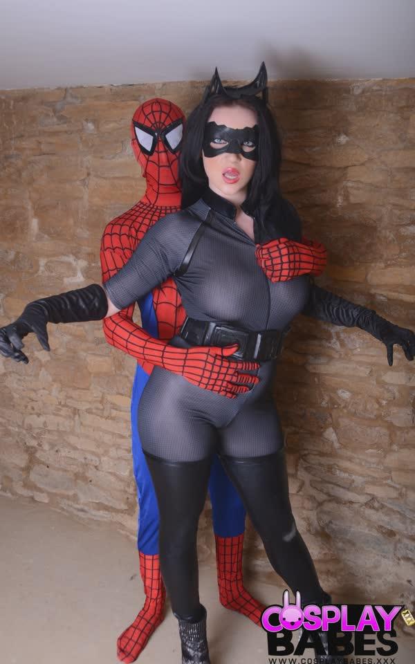 mulher-gata-e-homem-aranha-trepando-5