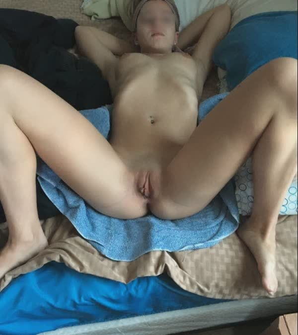 putinhas-amadoras-peladas-em-fotos-caseiras-16