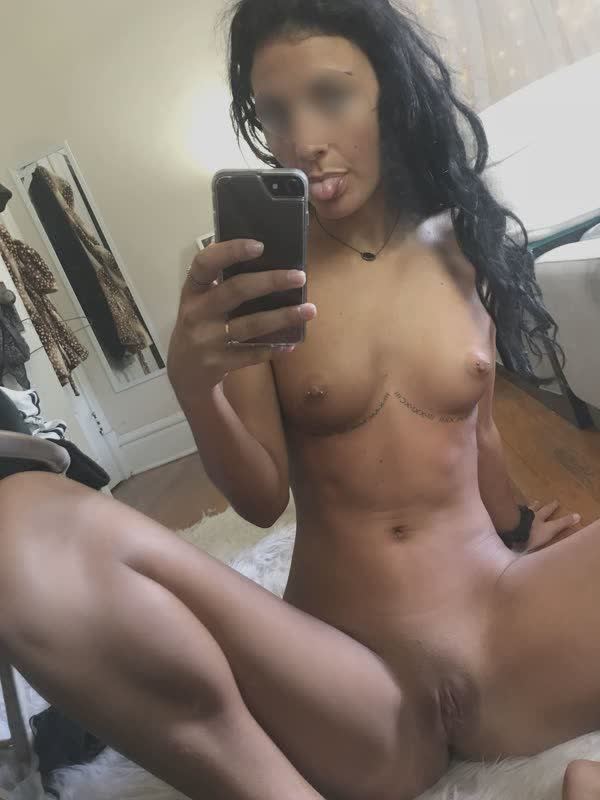 putinhas-amadoras-peladas-em-fotos-caseiras-26
