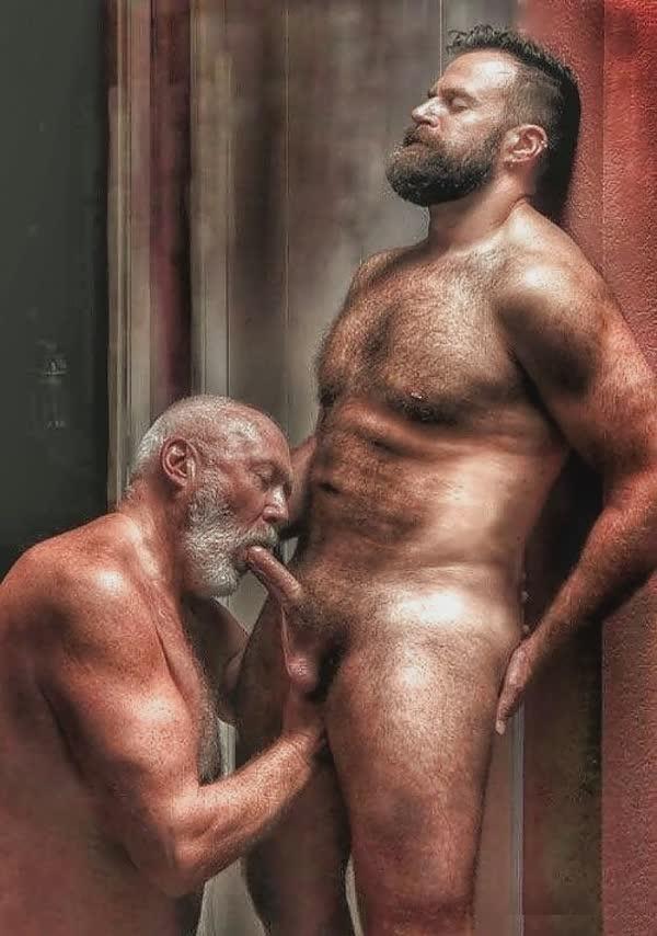 homens-safados-pagando-boquete-20