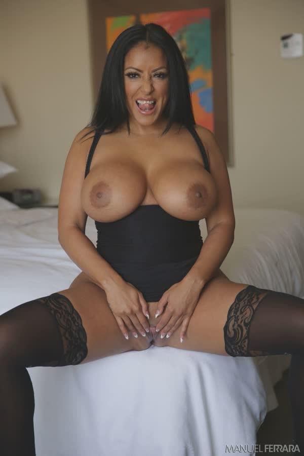 kiara-mia-sexy-em-seu-vestido-preto-13