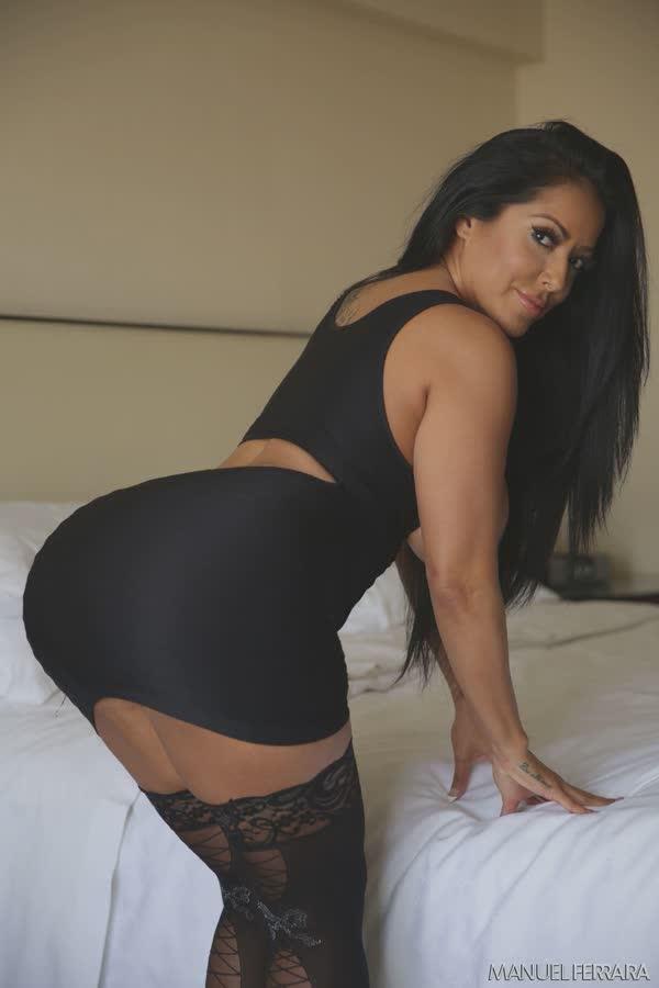 kiara-mia-sexy-em-seu-vestido-preto-3