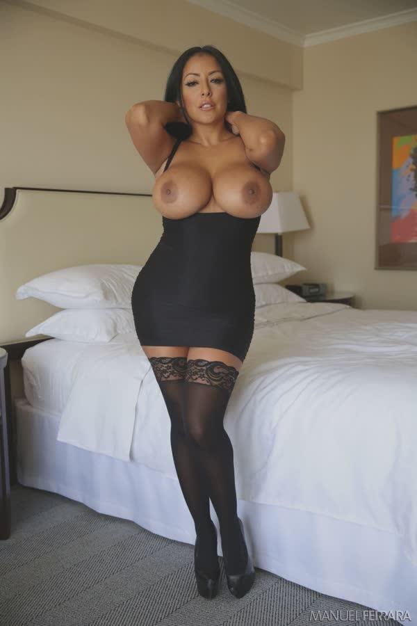 kiara-mia-sexy-em-seu-vestido-preto-8