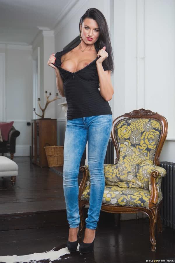 morena-gostosa-de-jeans-1