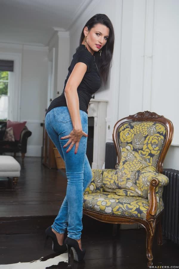 morena-gostosa-de-jeans-2