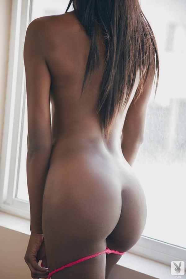 negra-linda-mostra-o-corpo-perfeito-6