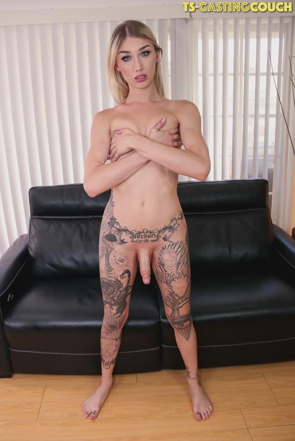 travesti-loira-tatuada-10