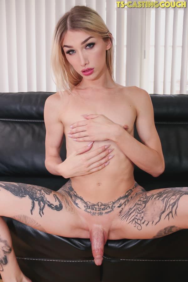 travesti-loira-tatuada-13