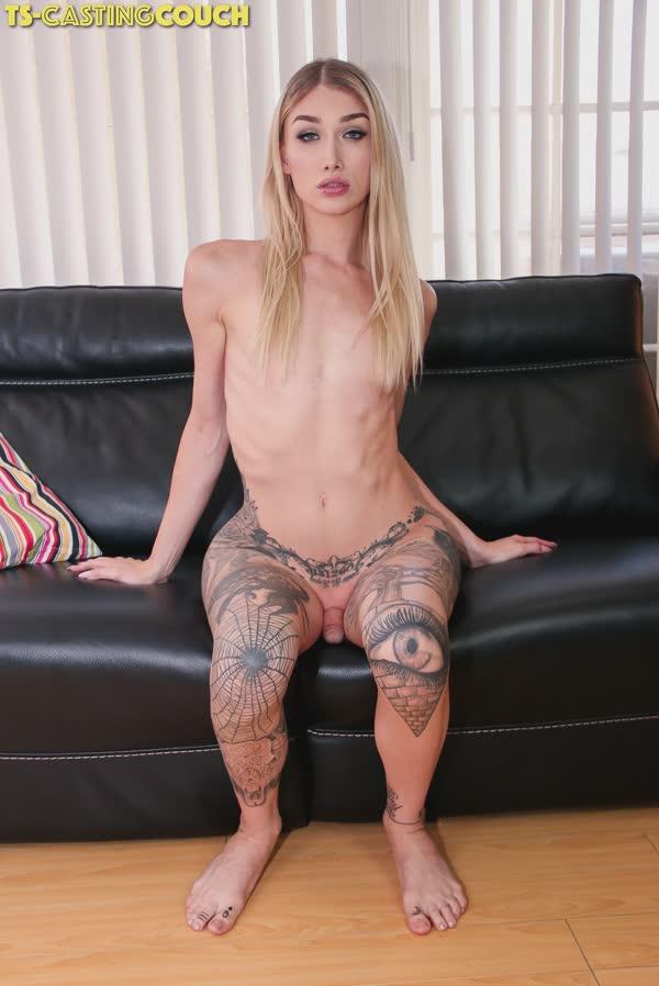 travesti-loira-tatuada-4