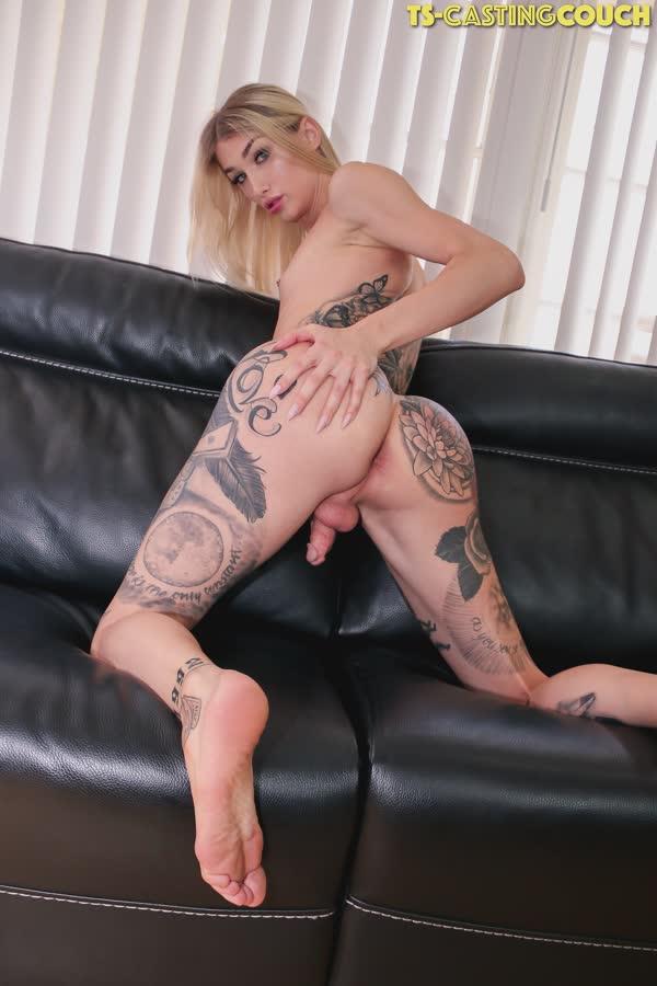 travesti-loira-tatuada-8