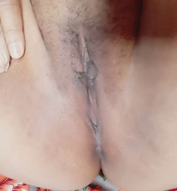 vazou-na-net-fotos-intimas-dessa-morena-tetuda-4