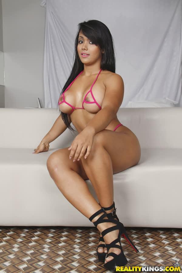 latina-bem-deliciosa-em-fotos-porno-14
