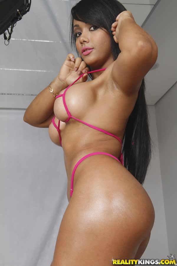 latina-bem-deliciosa-em-fotos-porno-3