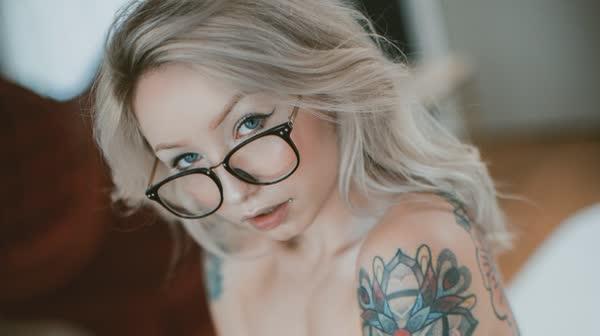 loirinha-tatuada-em-fotos-pelada-60