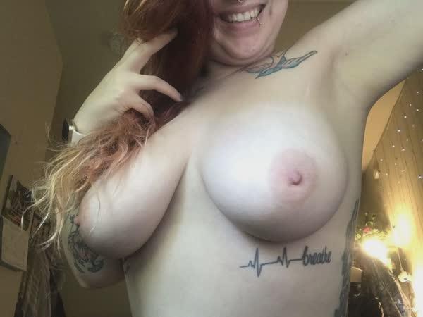 rui-tatuada-peituda-em-fotos-caseiras-16