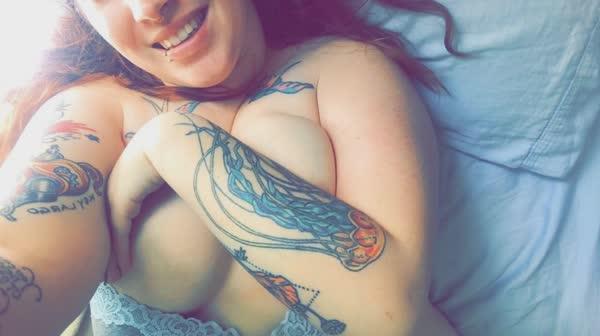 rui-tatuada-peituda-em-fotos-caseiras-8
