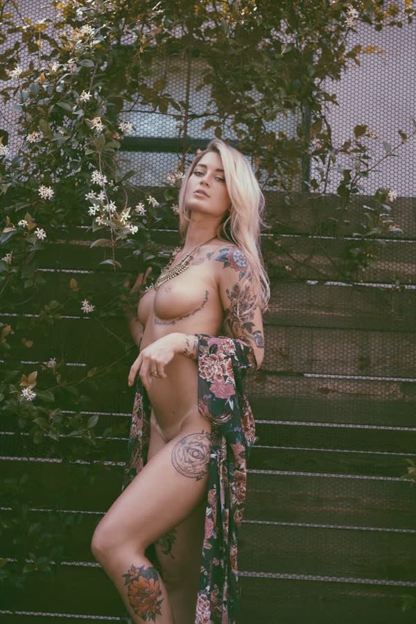 imagens-de-gostosas-tatuadas-30