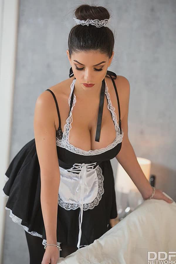 empregada-sexy-se-masturbando-gostoso-5