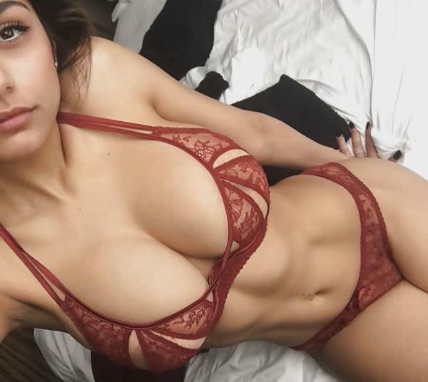fotos-porno-com-a-gostosa-mia-khalifia-18