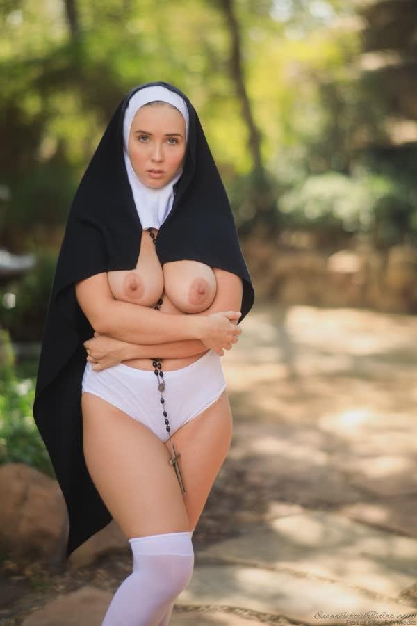 freira-novinha-se-mostrou-pelada-10
