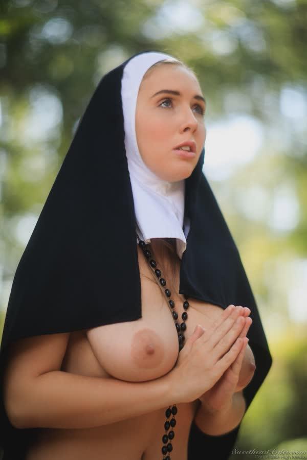 freira-novinha-se-mostrou-pelada-14