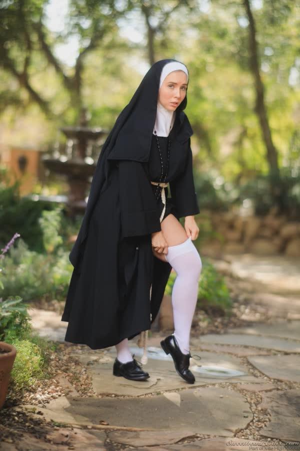 freira-novinha-se-mostrou-pelada-3