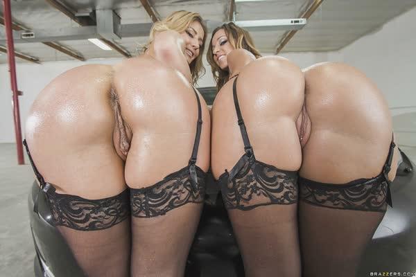lesbicas-quentes-posando-de-lingerie-9